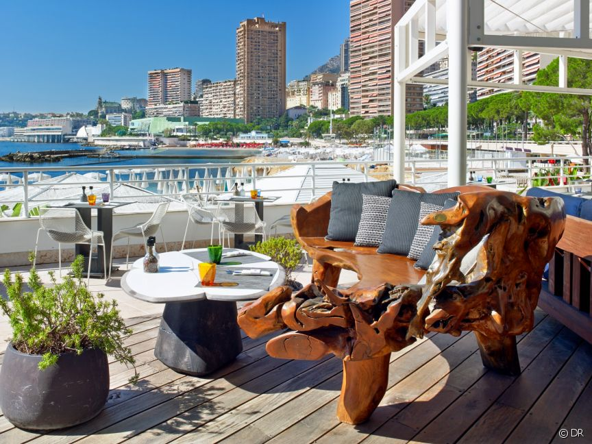amber summer bar at meridien beach plaza